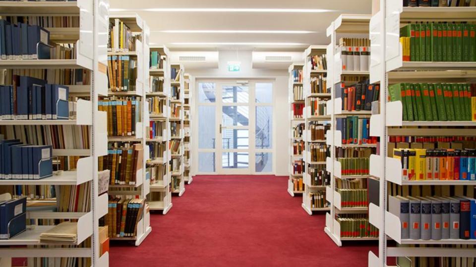 Bücherregale Bibliothek